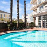 Commodore Hotel, Pool